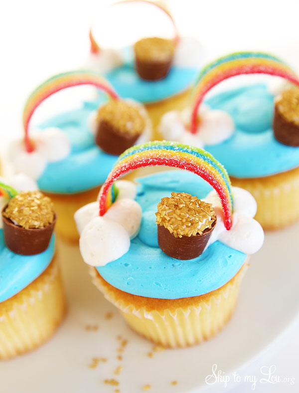 How To Put Cake Charms In Cake