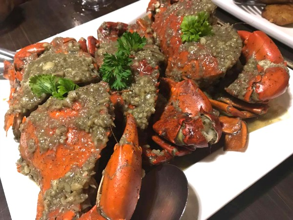 Friday Night Dinner at Gusteau's Crab Hauz